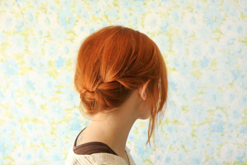 (via How to Style a Reverse Crown Braid - A Beautiful Mess)