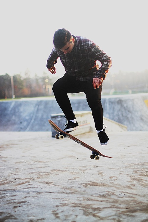 wilderthanateenager:  wilder teenager:  skate, girlz, love, youth, wildness and many more.