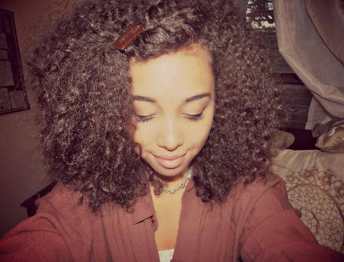 dezcurls:  Love my curls!  littlecatscratches