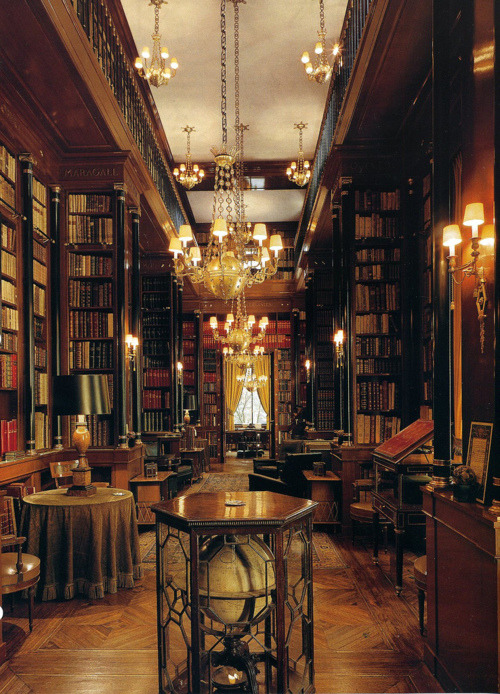 Library, Edinburgh, Scotland photo via fellon