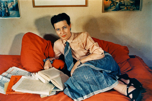 carolathhabsburg:  Simone de Beauvoir in color. By Giselle Freund. 1948