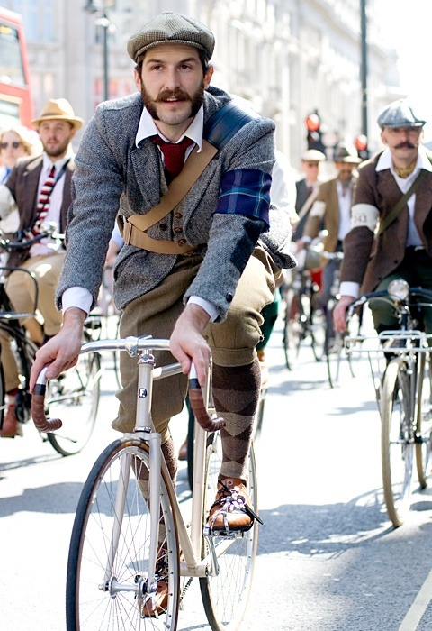 cyclivist:  We Be Tweed'n.