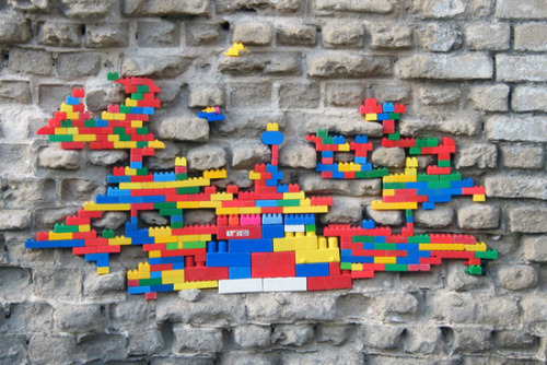 showslow:  Dispatchwork, Lego street art around the world by Jan Vormann.
