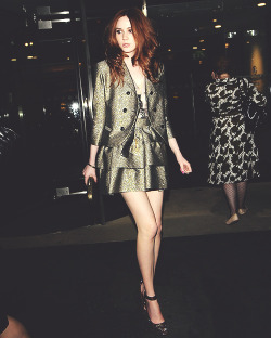 →3/20 photos of Karen Gillan