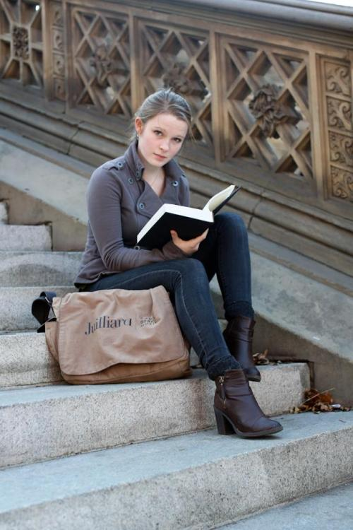 "humansofnewyork:  ""What's the book about?"" ""The change our brain undergoes when we switch from recognition to deliberate cognition.""  ""I'm gonna need a pen."""