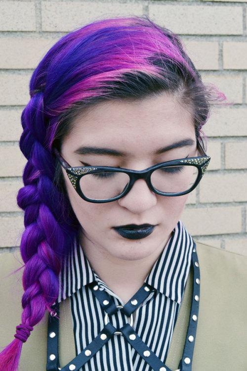 fashinpirate:  I have to redye my hair next week, 2 months of roots. It took ages to fade this light!  I wore red glitter over black eyeliner (though of course the one picture I like of my face today does not show this at all, d'oh), and pbco lipstick.