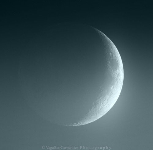 Beautiful Waxing Crescent Moon with Earthshine  by Vegastar Carpentier  Earthshine is a soft, faint glow on the dark side of the moon caused by the reflection of sunlight from the Earth.