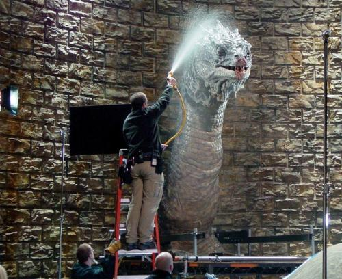 the-absolute-funniest-posts:  likeicouldnttakeyou: the basilisk taking a shower I like how relaxed and chill the basilisk looks. He looks like he's really enjoying his wash. aaah…ssssssssshhhhhhhower time #moisturize me Via/Follow The Absolute Greatest Posts…ever.