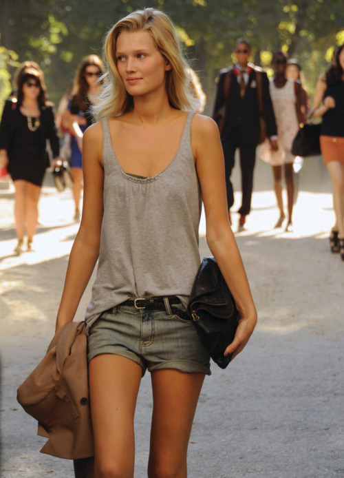thinspo-101:  Journey to SkinnyVille
