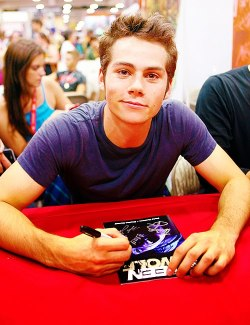 dylanfeelshbu:  his arms seriously fascinate me