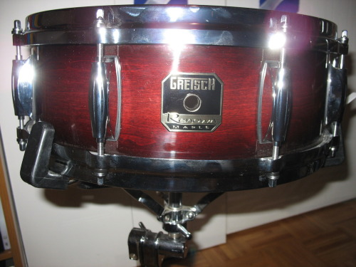 "Got my matching Gretsch Renown Maple snare! 5""x14"" ten ply maple. Sounds and looks amazing!"