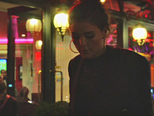 http://youtu.be/_nClLWbSSIE JESSIE WARE - OCTOBER 2012 - PARIS