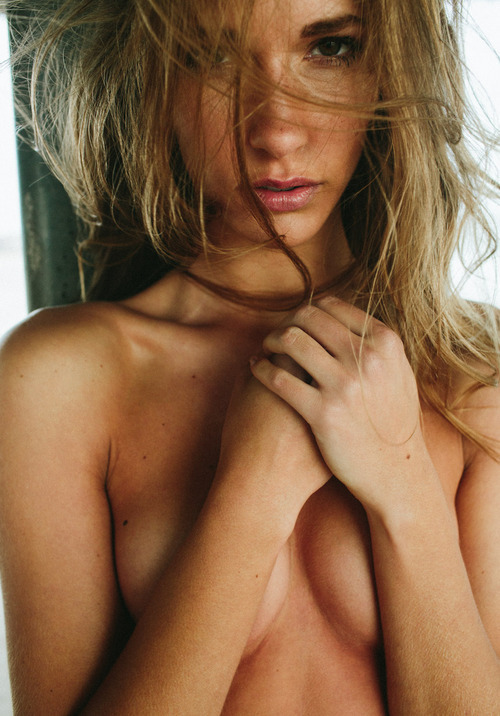theheartisking:  I like her boobs