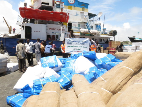 Aid Ship Docks in Mogadishu: Al Muntada Trust and The International Humanitarian City (IHC) in Dubai have sent 300 tents, six tonnes of children's food, 1,500 rain covers and 2,000 protective nets for displaced families in Somalia. Somalia still remains one of the worlds worst humanitarian crisis, and needs your help.