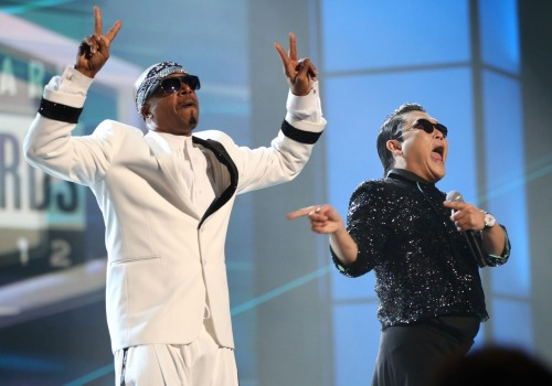 2 Gangnam 2 Quit!: MC Hammer and Psy Performing at the American Music Awards Photo by Christopher Polk/AMA2012/Getty Images for AMA