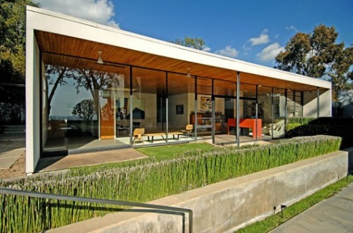 fuckyeahcharlesandrayeames:  Eames and Saarinen Case Study House #9