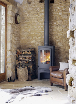 elorablue:  wood stove by the style files on Flickr.