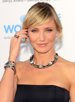 Here are six steps to creating Cameron Diaz's golden glow.