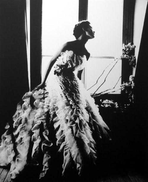 rodrigoglam:  Barbara Mullen in a Christian Dior Dress, Harpers Bazaar Paris, 1949.