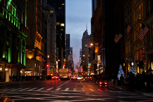 bobbycaputo:  Looking south down 5th Avenue, NYC 11/18/2012