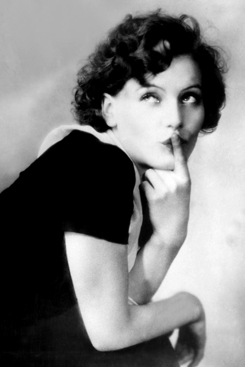sourvix:  Twenty year old Greta Garbo, 1925