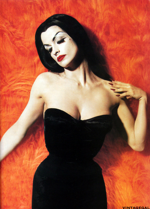 Actress Lisa Marie Smith as Vampira for the film Ed Wood (1994) photo by Tim Burton