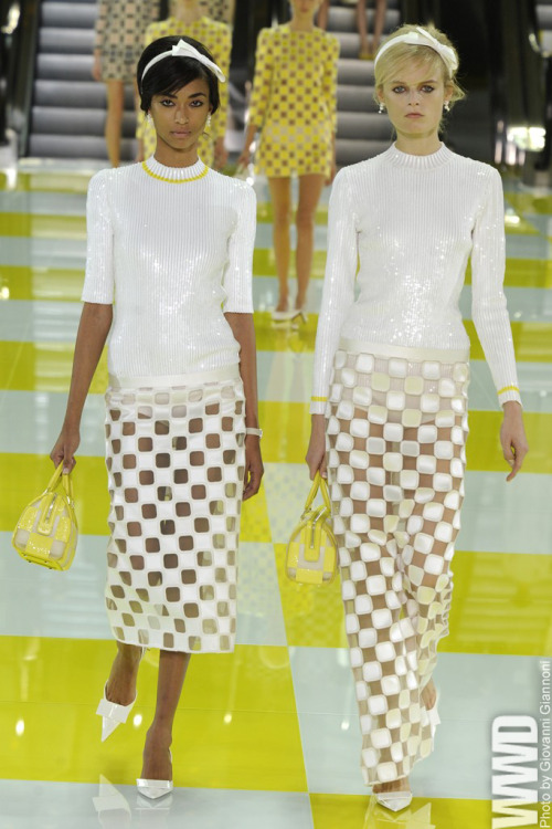 womensweardaily:  The New Modern: Spring 2013 Trends Minimal: Louis Vuitton RTW Spring 2013