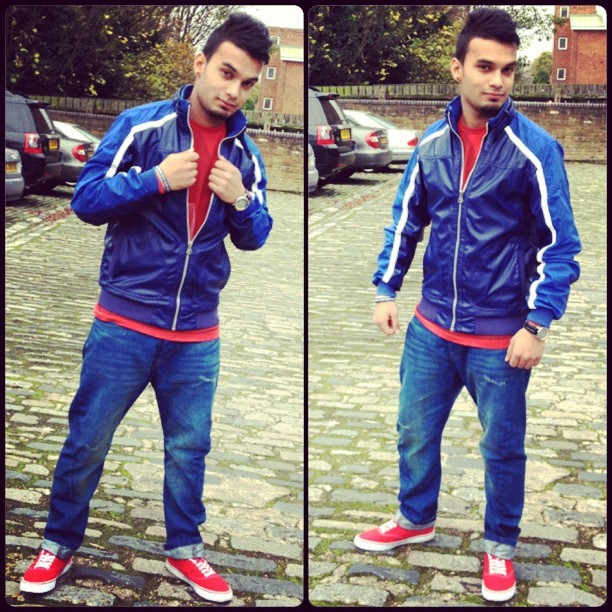 College time xx #instacollage #desi #desiboys #lol #london #londoner #instacollage #indian #kik #kikme #now #kikhim #sexiest #sexiness #hot #haha #hottest #girls #love #red #blue (at Canada Water Station)
