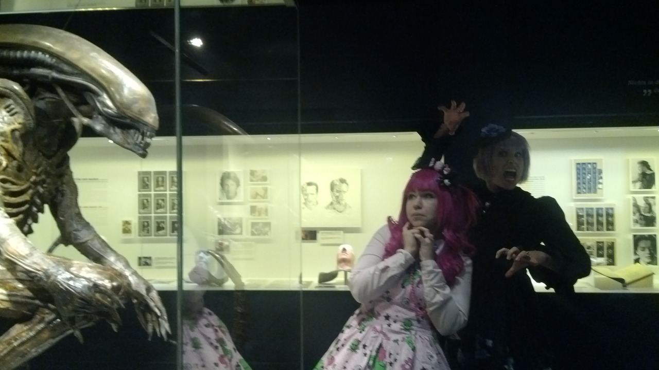 Lolita-meetup - Filmmuseum ;3With my wonderful Belle Obscurite and Alien ♥
