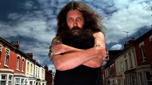 HAPPY B-DAY, ALAN! Alan Moore turned 59 years-old yesterday! (via MTV Geek- The Daily Geek: The Wii U Launches, Hawkeye Runs Out Of Arrows And More)
