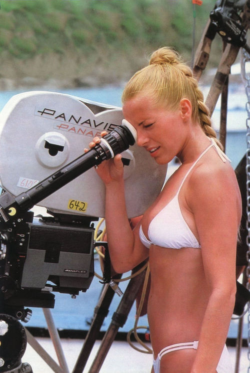 vintageruminance:  Cheryl Ladd behind the camera.