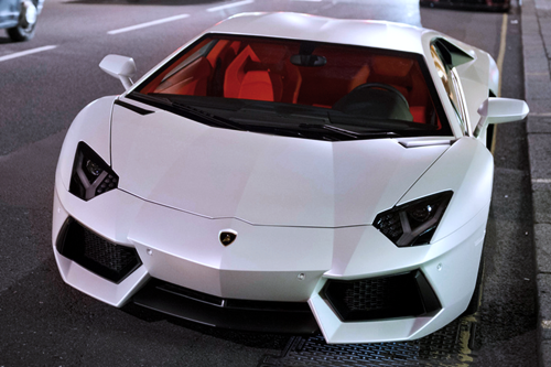 johnny-escobar:  Matte White Aventador