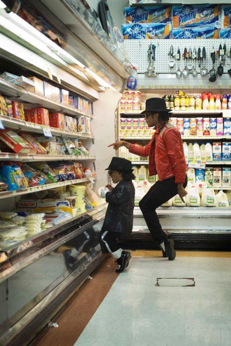 collegehumor:  Michael Jackson and Mini-Michael Jackson Go Shopping  Lunchables. Shamon.