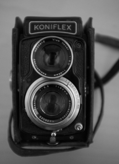 Konica Koniflex II with Hexanon 85mm f3.5 lens. Yes - 85mm, an unusual focal length for a 6x6. This is a fine TLR in lens terms, but maybe suffers a little in usability compared to more modern TLRs thanks to that around-the-lens shutter speed selector. This is on its way to a new home, as The Big Clearout beings (101 cameras, lenses and accessories for sale).