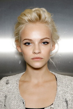 evoleur:  vogue-mcqueens:  Ginta is a goddess   So gorgeous