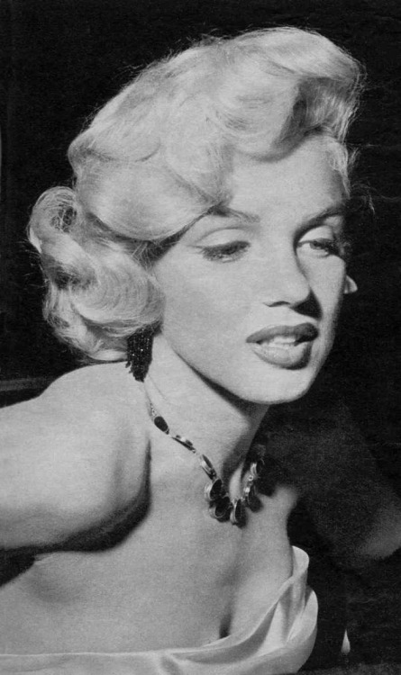 eternalmarilynmonroe:  Marilyn Monroe photographed in 1953.