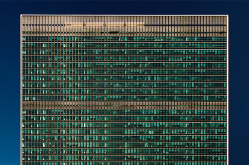 Todd Eberle: United Nations Secretariat Building, 1952, New York, New York, 2003.