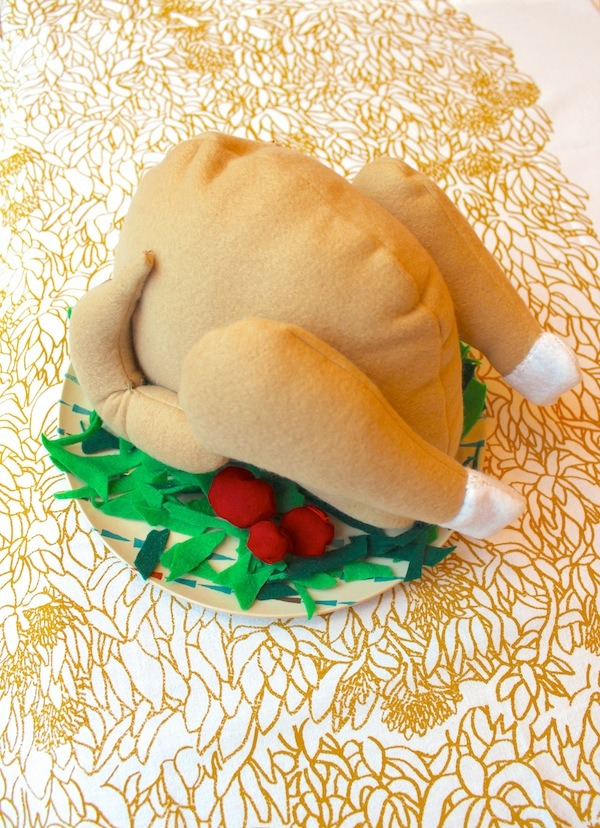 how to make a felt turkey dinner food for the holidays thanksgiving christmas with pattern and instructions