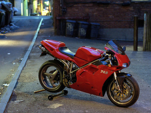 sportbike:   A bit of a classic. By Mike Cialowicz on Flickr.