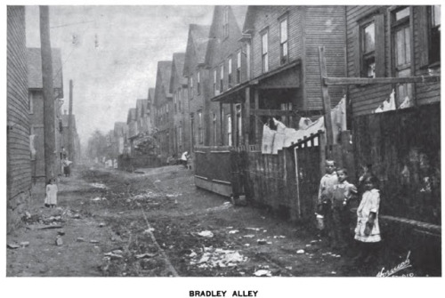 (via Vintage Johnstown: Bradley Alley)