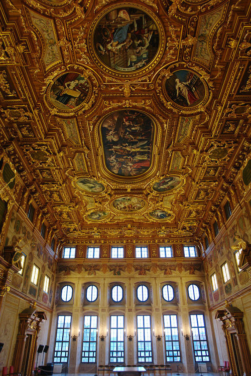 a-l-ancien-regime:  Goldener Saal (Golden Hall) at the city hall in Augsburg, Germany.