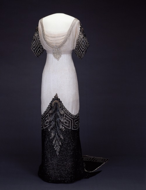 omgthatdress:  Dress Jean-Philippe Worth, 1912 Nasjonalmuseet for Kunst, Arketkektur, og Design
