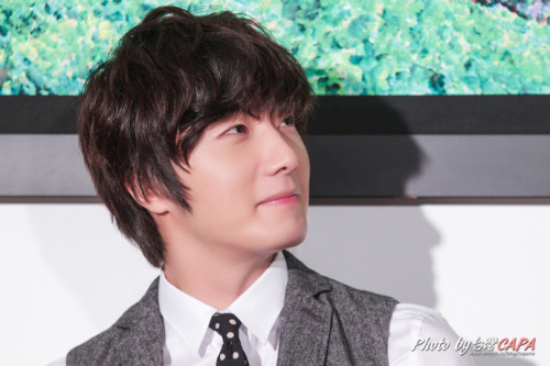 Follow this blog for more Finest photo collections of Jung il woo <3