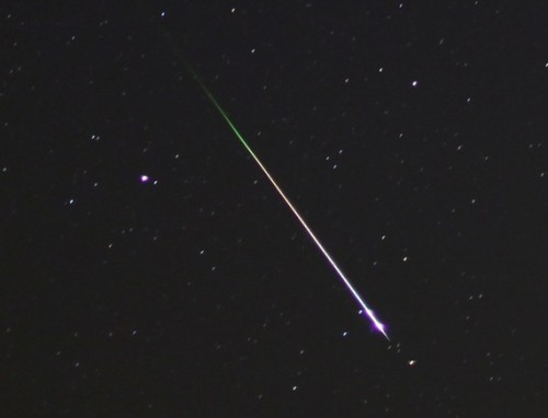 Leonid Meteor Shower Comes Back for More, Peaks a Second Time Astronomers weren't expecting much from this year's incarnation of the Leonid meteor shower, but those flecks of rock smacking into Mother Earth's atmosphere have surprised observers by producing an inordinate number of fireballs, against a dark backdrop due to a new crescent moon.
