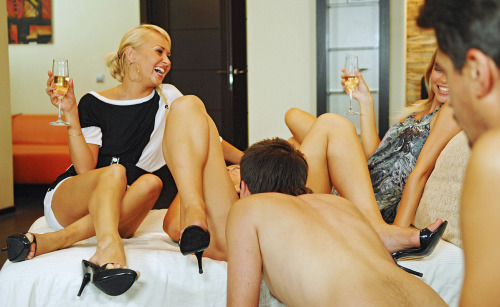 perfectthreesome:  An audience is always welcome systemat: