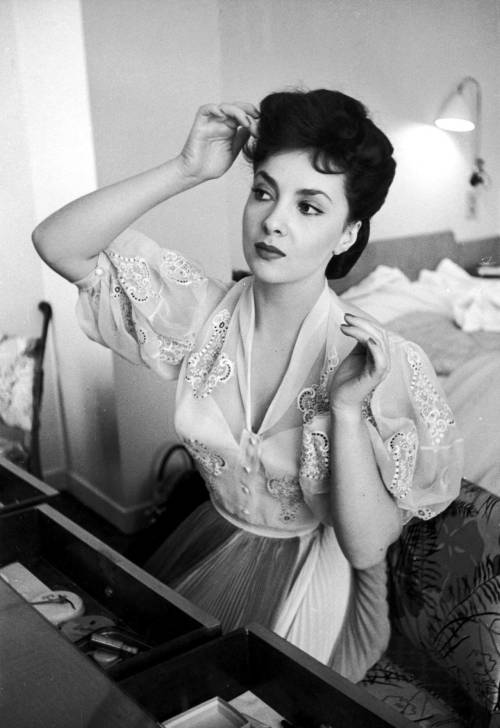 theniftyfifties:  Gina Lollobrigida