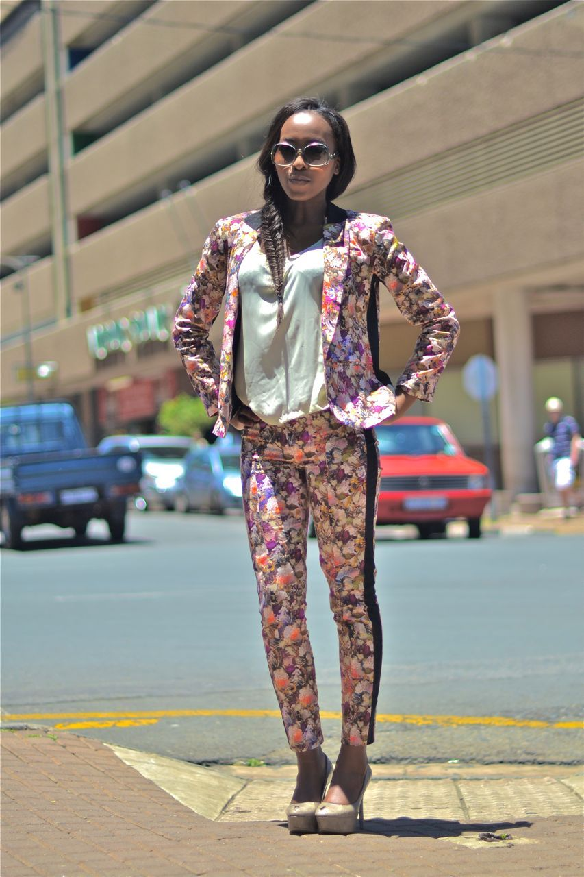 SOUTH AFRICAN STREET STYLE | TOPSHOP Location: Neighbourgoods, Braamfontein, South Africa Photographed by: The Expressionist  Like on Facebook: The Expressionist Follow on Twitter: The Expressionist