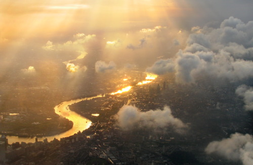 simplynorule:  London town from above (by Michael Foley Photography)
