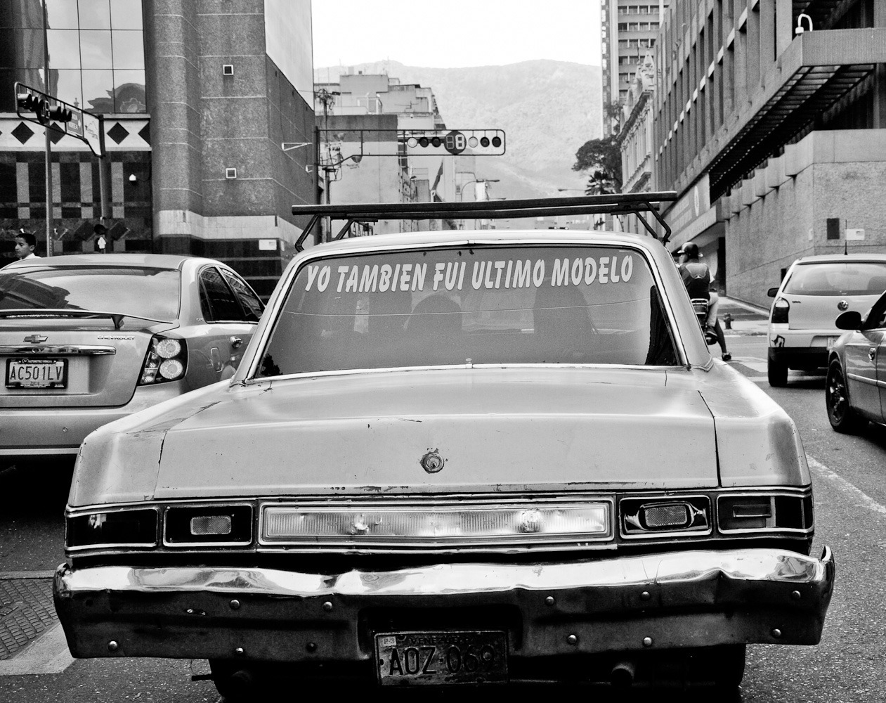 Driving in Caracas to find models of the Seventies ©Grace Fredrikson
