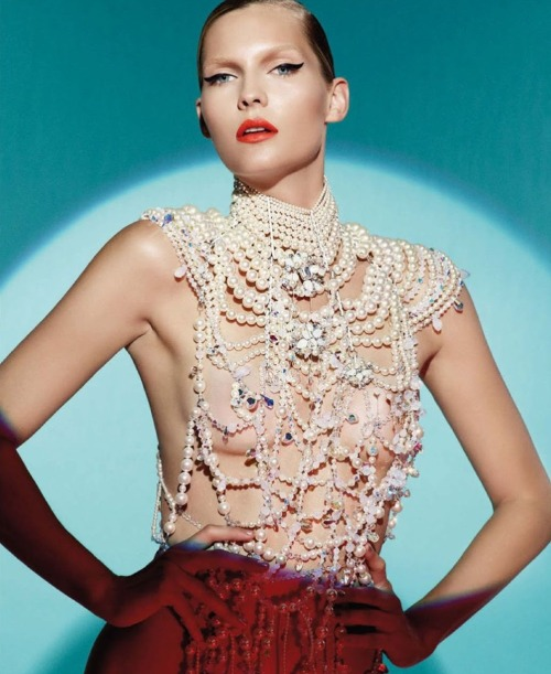 monsieur-j:  Swarovski - Karolin Wolter - Vogue Germany - December 2012